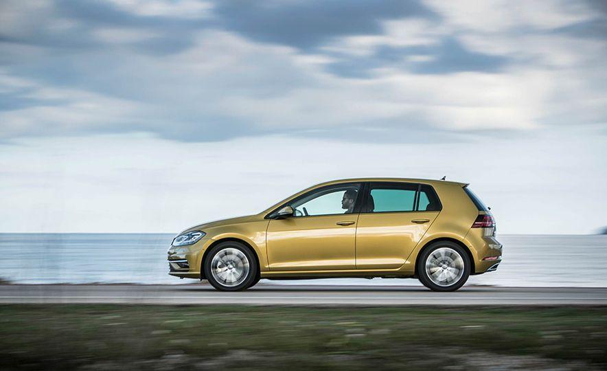 2017 Volkswagen Golf 1.0T - Slide 12