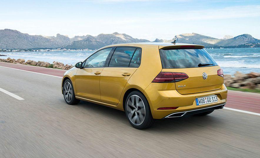 2017 Volkswagen Golf 1.0T - Slide 13