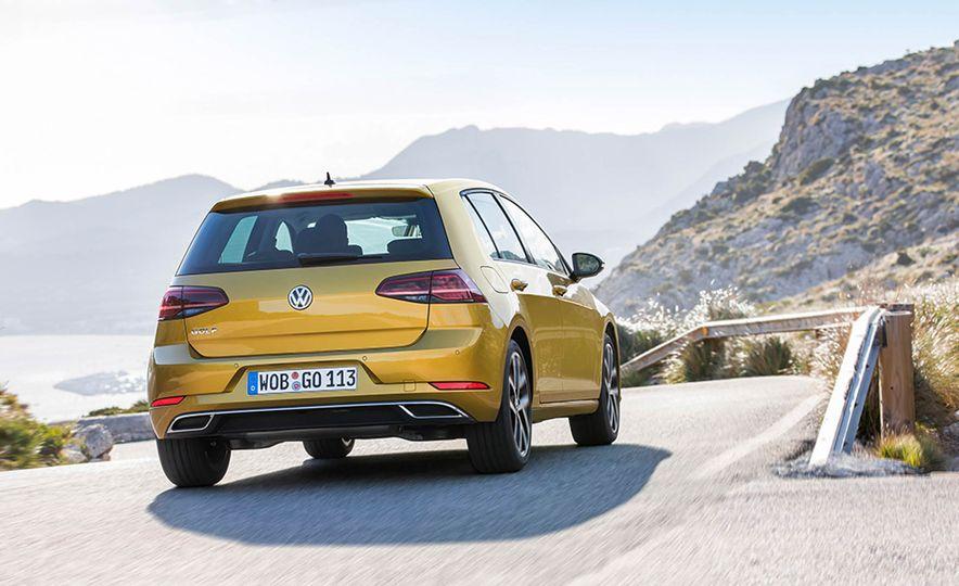 2017 Volkswagen Golf 1.0T - Slide 16