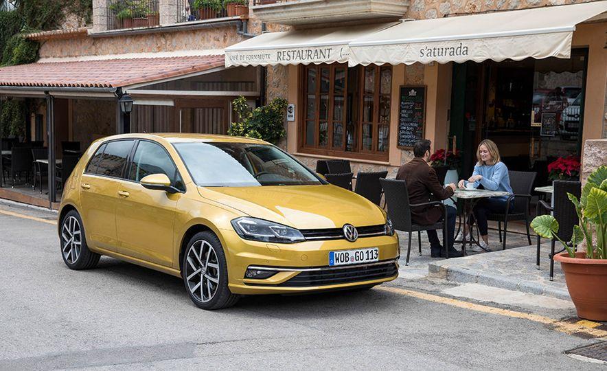 2017 Volkswagen Golf 1.0T - Slide 17
