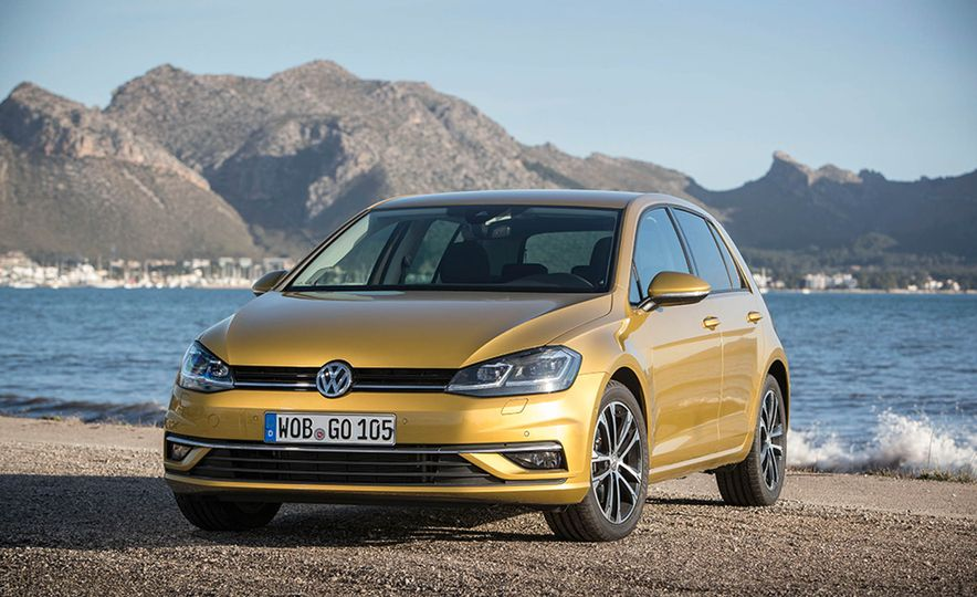 2017 Volkswagen Golf 1.0T - Slide 19
