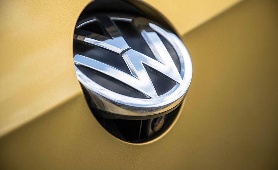 2017 Volkswagen Golf 1.0T - Slide 23