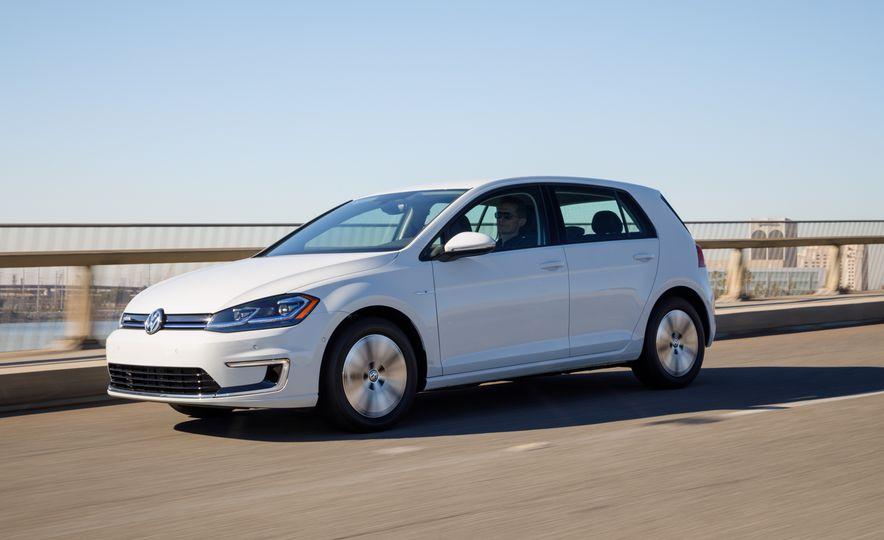 2017 Volkswagen e-Golf - Slide 3