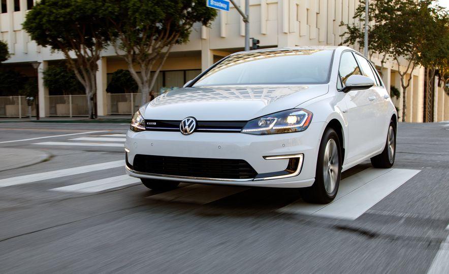 2017 Volkswagen e-Golf - Slide 4