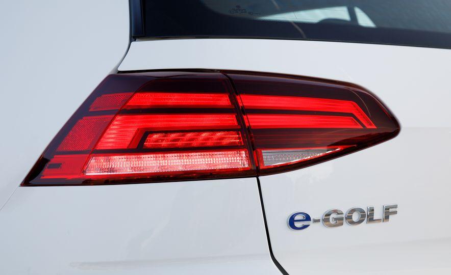 2017 Volkswagen e-Golf - Slide 16