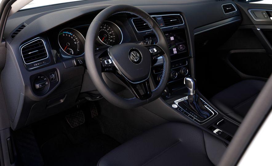 2017 Volkswagen e-Golf - Slide 19