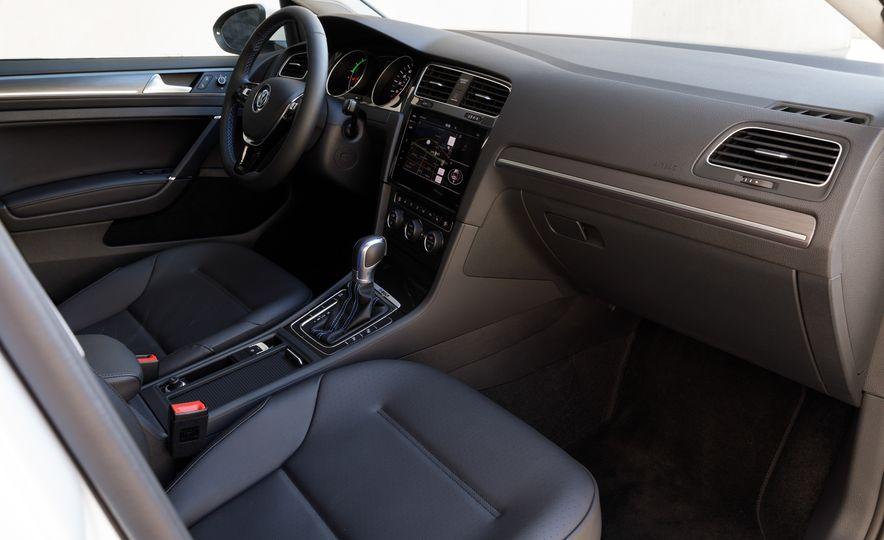 2017 Volkswagen e-Golf - Slide 20