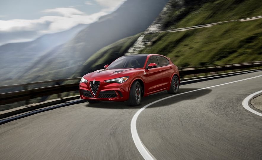 Alfa Romeo Stelvio Priced: Italian Crossover Starts at $42,990 - Slide 2