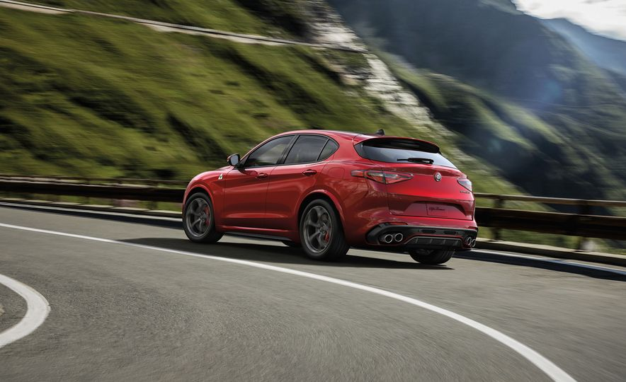 Alfa Romeo Stelvio Priced: Italian Crossover Starts at $42,990 - Slide 3