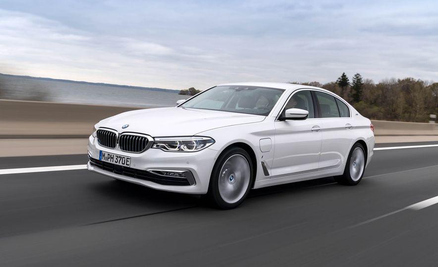 2018 BMW i3 and 2018 BMW i3s - Slide 31