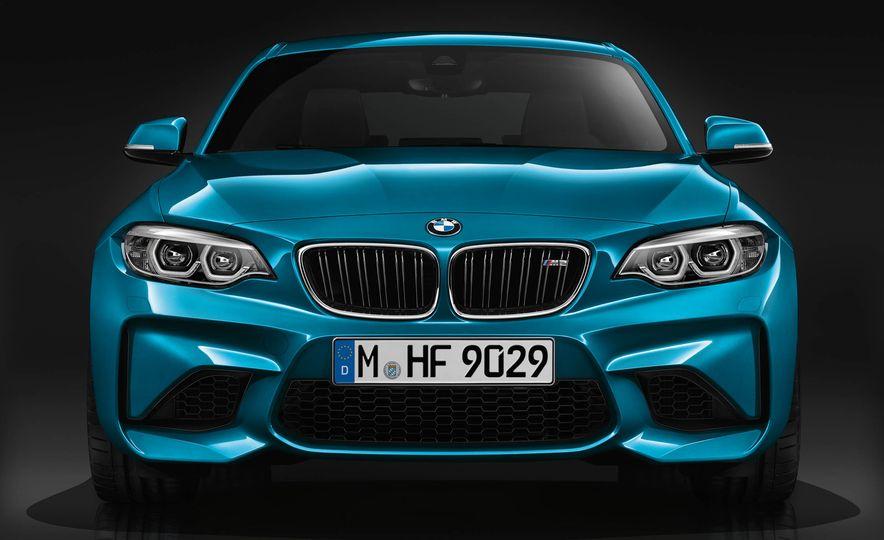 2018 BMW M2 - Slide 1