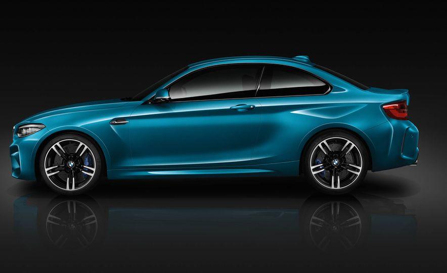 2018 BMW M2 - Slide 3