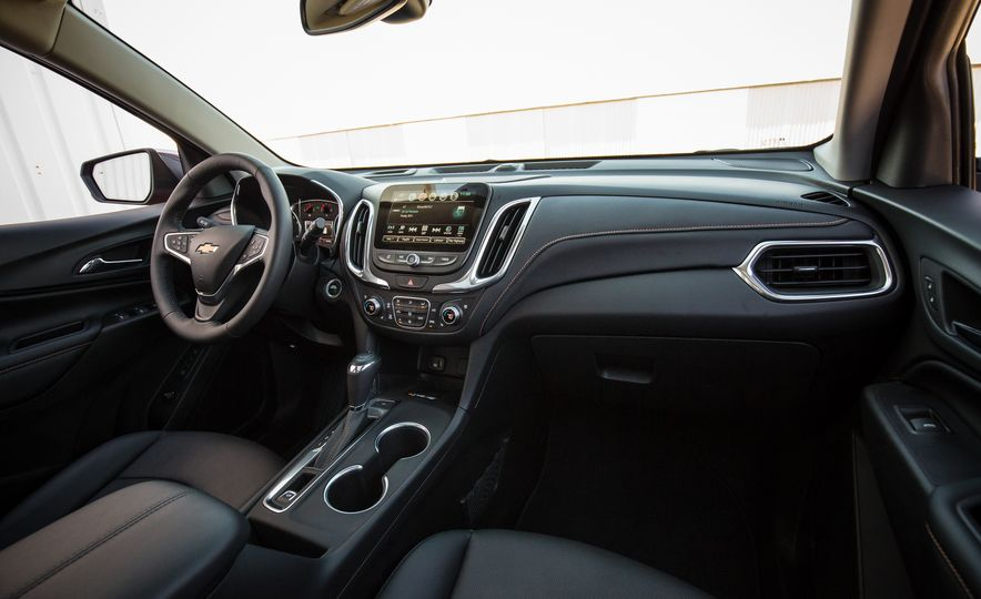 2018 Chevrolet Equinox - Slide 33