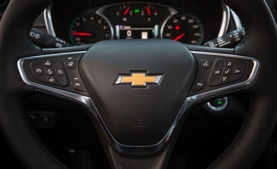 2018 Chevrolet Equinox - Slide 35