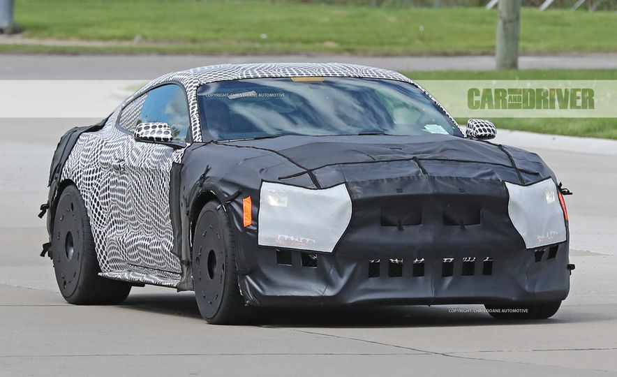 2018 Ford Mustang GT500 (spy photo) - Slide 1