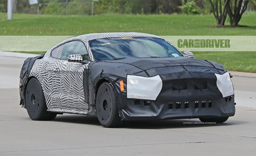 2018 Ford Mustang GT500 (spy photo) - Slide 2