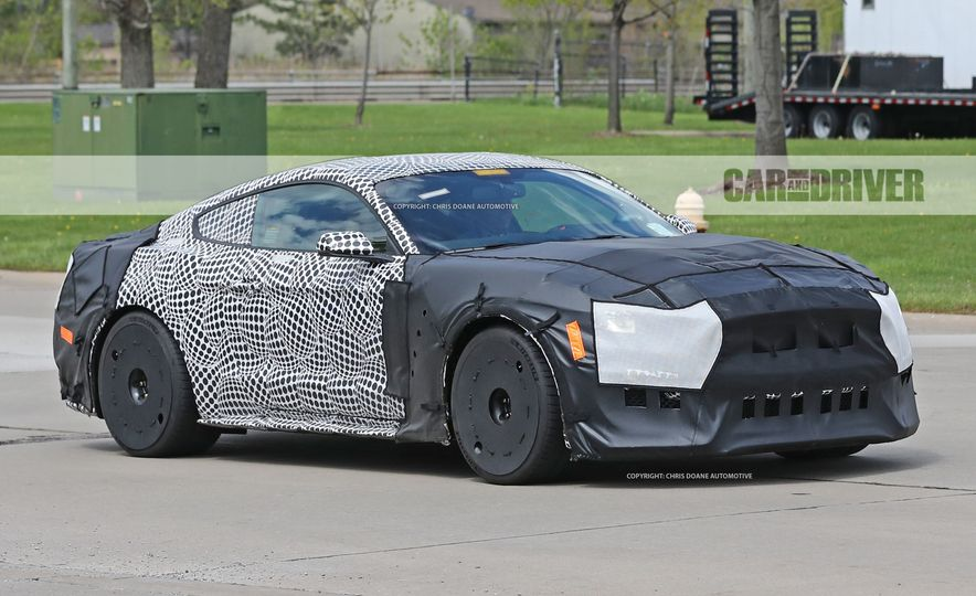 2018 Ford Mustang GT500 (spy photo) - Slide 3