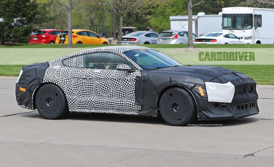 2018 Ford Mustang GT500 (spy photo) - Slide 4