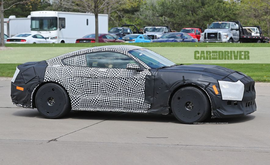 2018 Ford Mustang GT500 (spy photo) - Slide 5