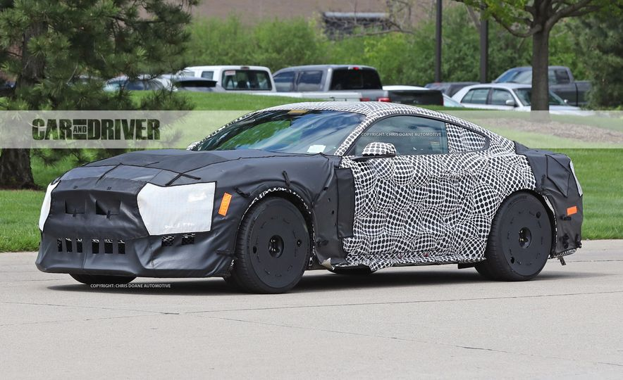 2018 Ford Mustang GT500 (spy photo) - Slide 13