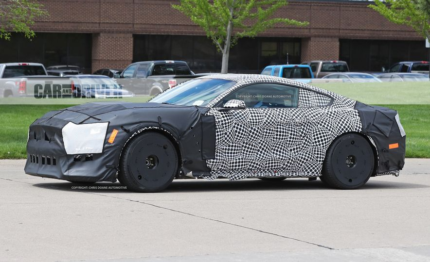 2018 Ford Mustang GT500 (spy photo) - Slide 14