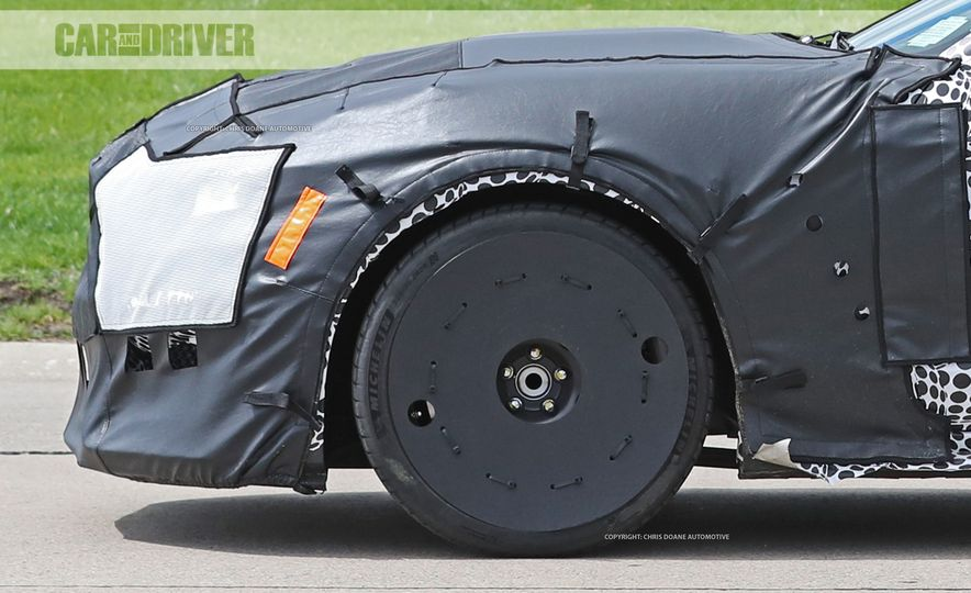 2018 Ford Mustang GT500 (spy photo) - Slide 26