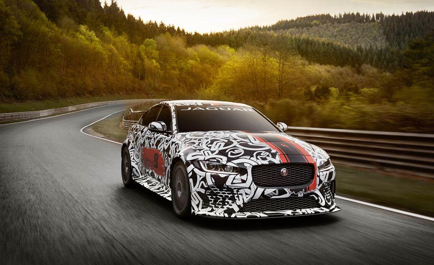 Jaguar XE - Slide 1