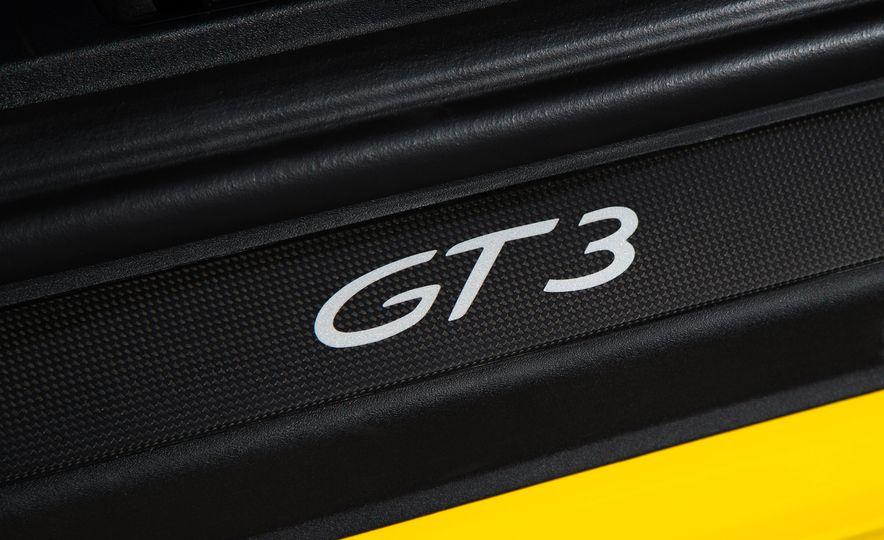 2018 Porsche 911 GT3 - Slide 18