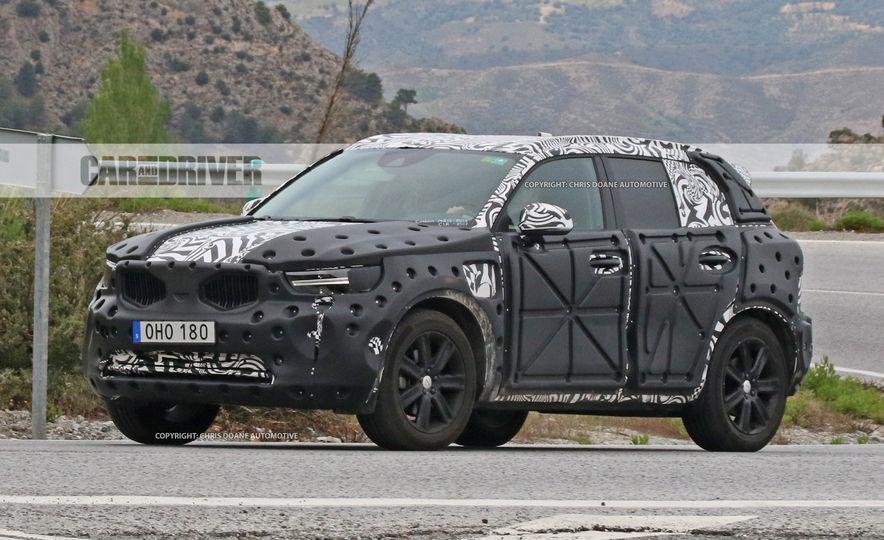 2019 Volvo XC40 (spy photo) - Slide 1