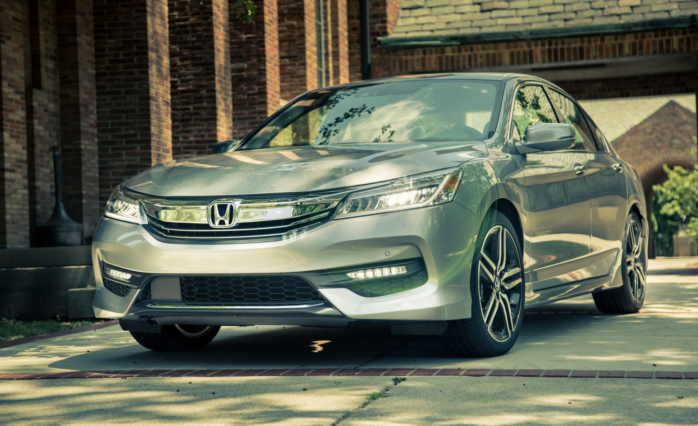 12 New-Car Lease Deals to Make Your Memorial Day Weekend - Slide 4