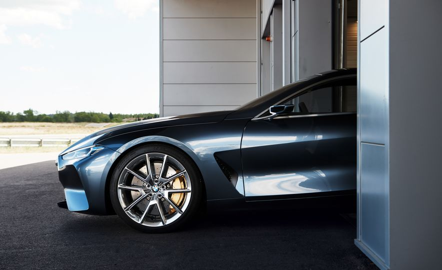 BMW Concept 8-series - Slide 8