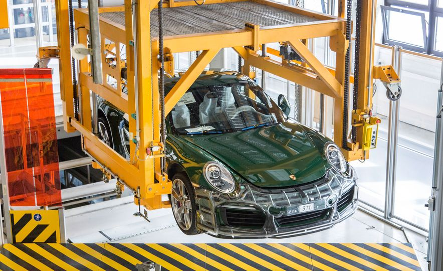 One Million Dreams: This Is the 1,000,000th Porsche 911 - Slide 23