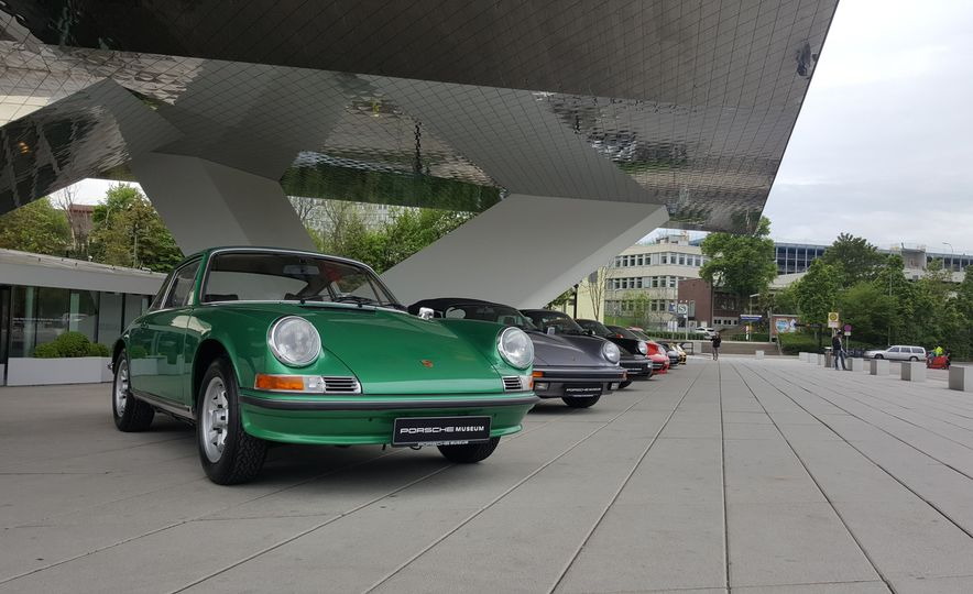 One Million Dreams: This Is the 1,000,000th Porsche 911 - Slide 25
