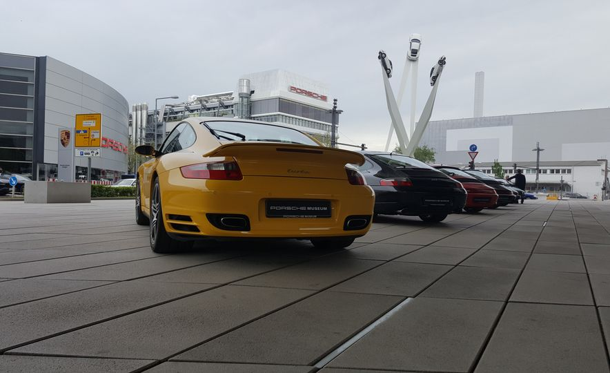 One Million Dreams: This Is the 1,000,000th Porsche 911 - Slide 26