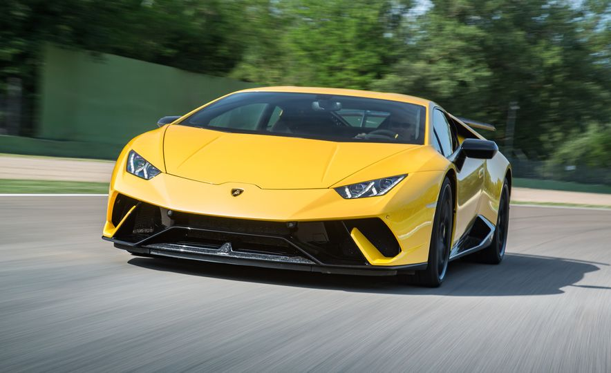 Go With the Flow: How the Lamborghini Huracan Performante Bends Air to Its Will - Slide 1