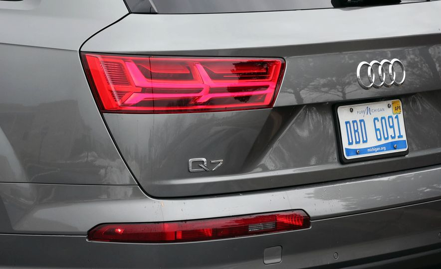 2017 Audi Q7 - Slide 19