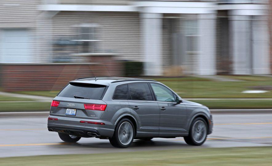 2017 Audi Q7 - Slide 7