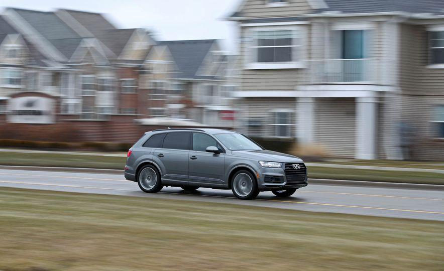 2017 Audi Q7 - Slide 1