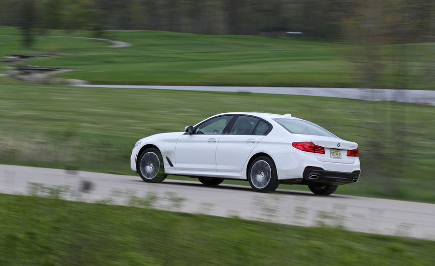 2017 BMW 530i RWD - Slide 8