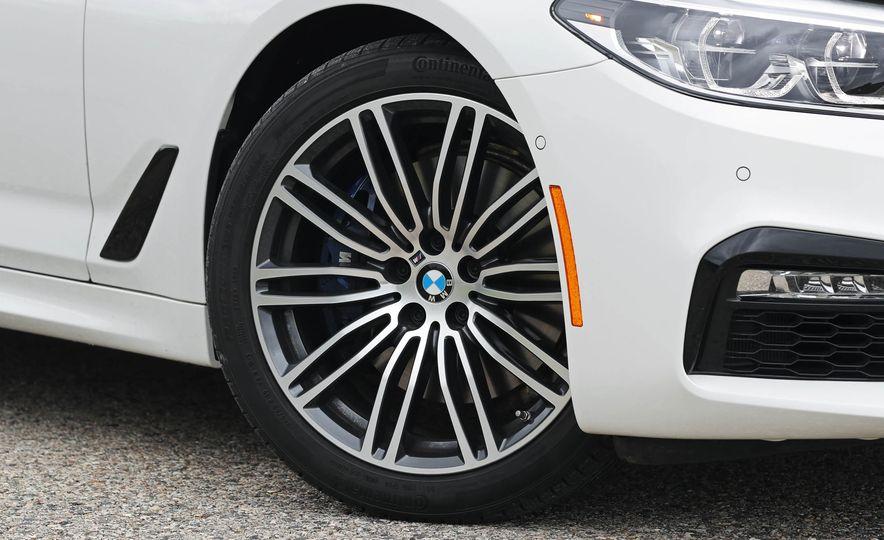 2017 BMW 530i RWD - Slide 29