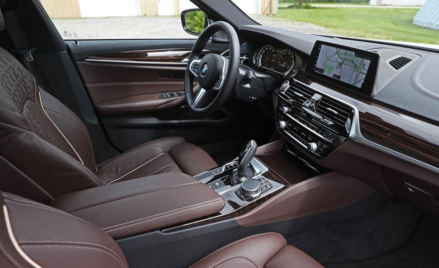 2017 BMW 530i RWD - Slide 34