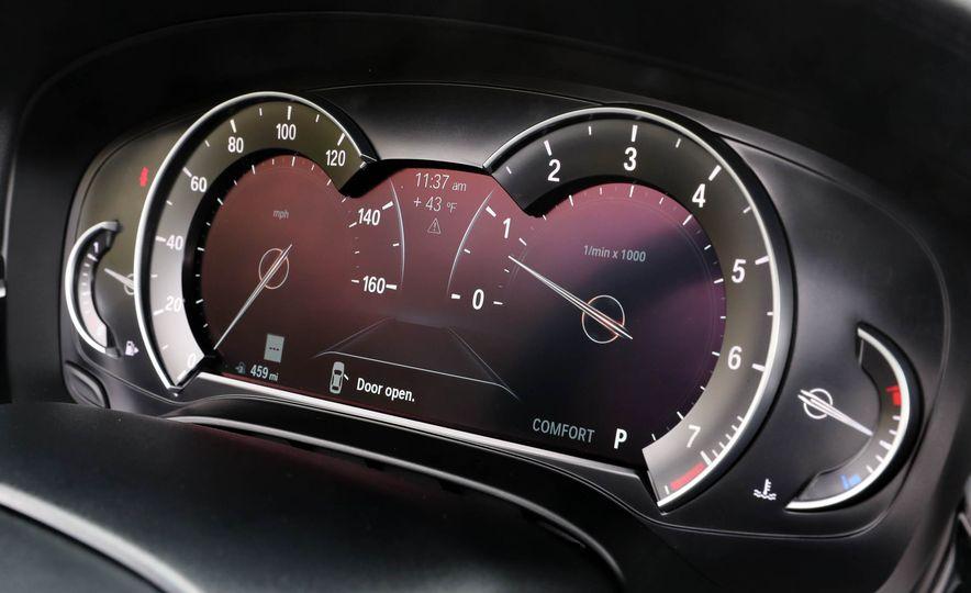 2017 BMW 530i RWD - Slide 38