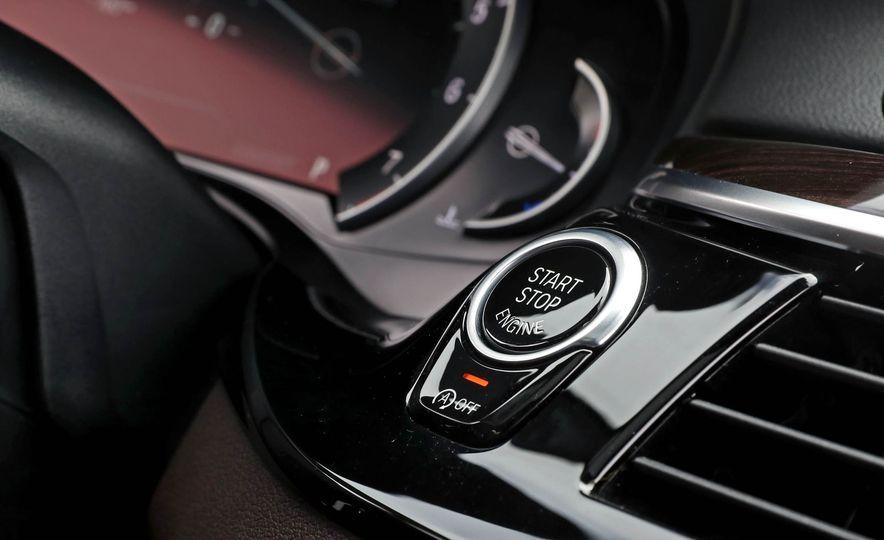 2017 BMW 530i RWD - Slide 39