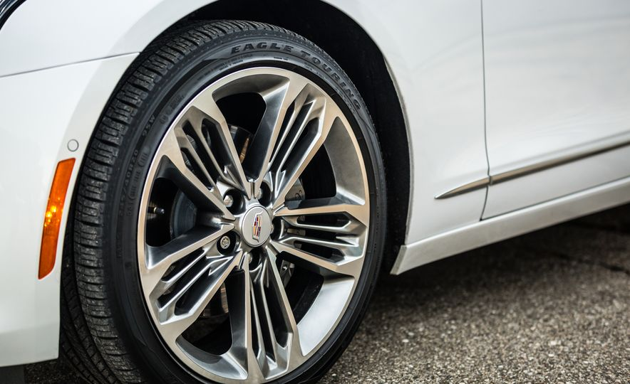 2017 Cadillac CT6 - Slide 23