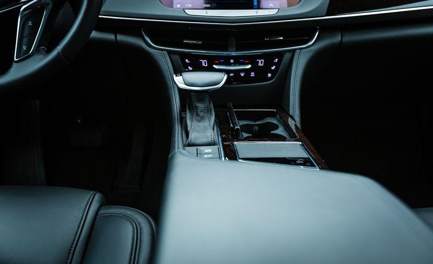 2017 Cadillac CT6 - Slide 38