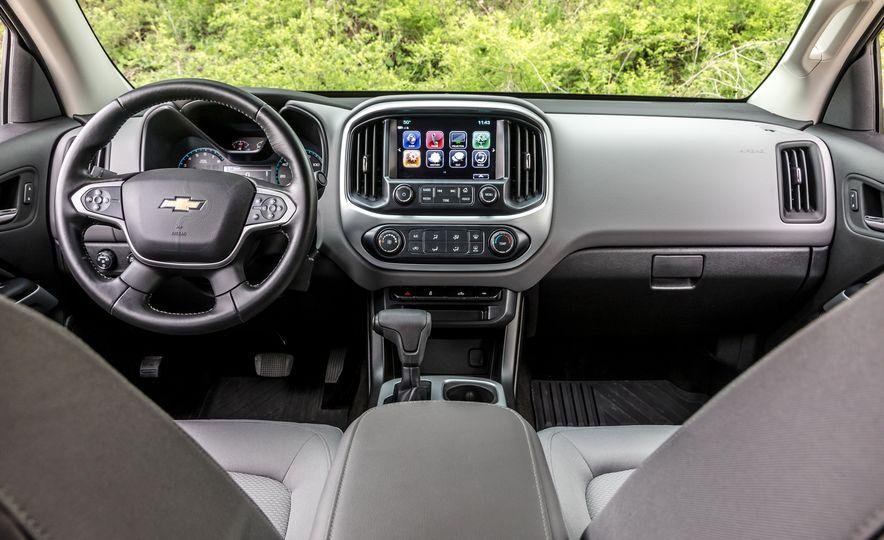 2017 Honda Ridgeline RTL-E AWD and 2017 Chevrolet Colorado LT 4WD - Slide 9
