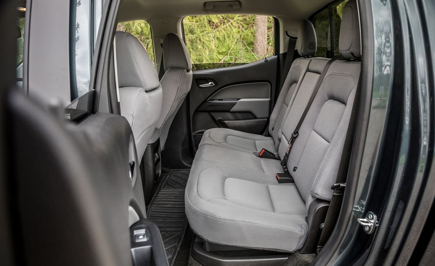 2017 Honda Ridgeline RTL-E AWD and 2017 Chevrolet Colorado LT 4WD - Slide 10