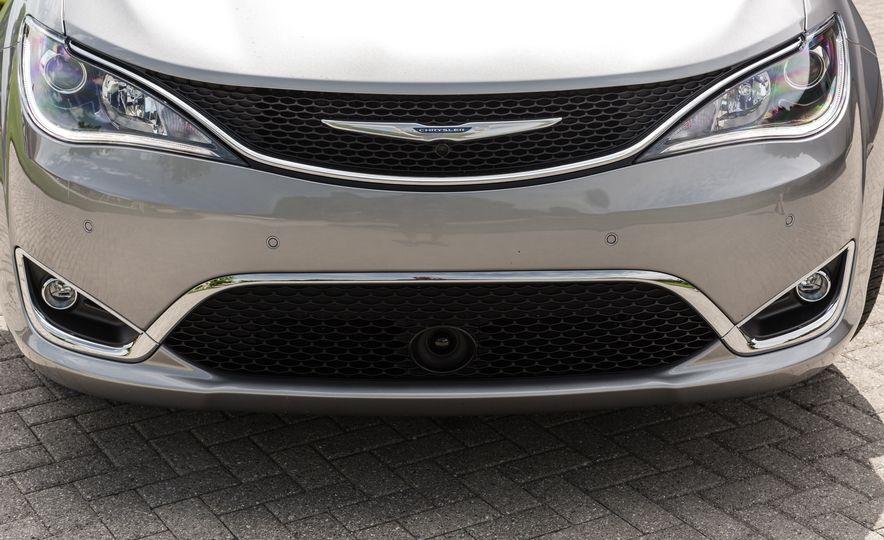 2017 Chrysler Pacifica - Slide 47