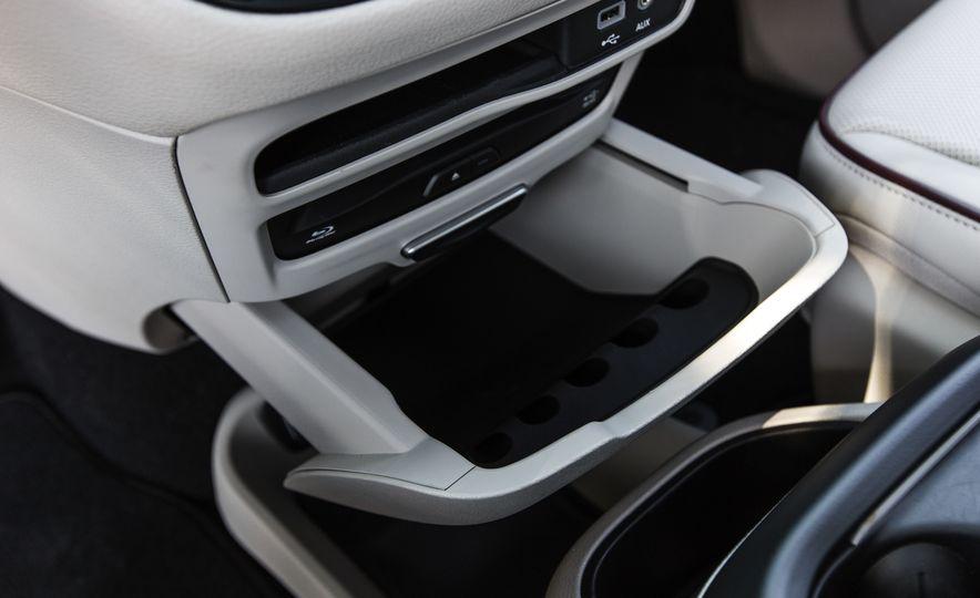 2017 Chrysler Pacifica - Slide 59