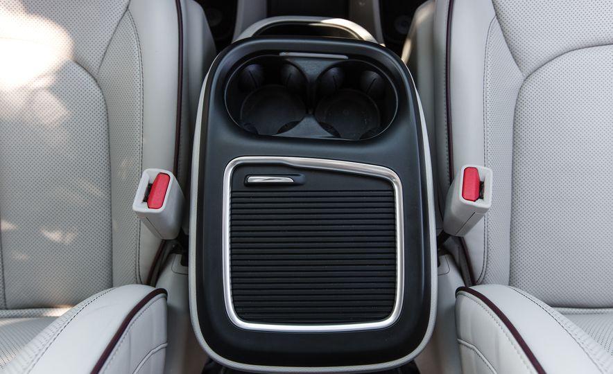 2017 Chrysler Pacifica - Slide 60